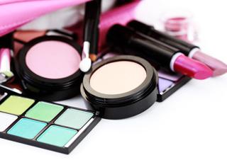 Cum ne este afectata sanatatea de produsele cosmetice ?