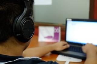 Pro si contra ascultarii de muzica la munca